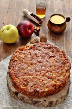 Polenta and apple pie with raisins and walnuts - 2 friends in the kitchen Italian Desserts, Italian Recipes, Apple Recipes, Cake Recipes, Pie Co, Pear Pie, Sweet Corner, Star Cakes, Greens Recipe