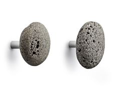 2 Pieces Grey Stone Hooks: Stone is a series of hooks in a strong, yet simplistic, design. Each stone hook is different and introduces a natural element to your interior design. Dots Muuto, Mint Room, Norman Copenhagen, Copenhagen Design, Small Space Solutions, Decoration Design, Coat Hooks, Towel Hooks, Coat Hanger