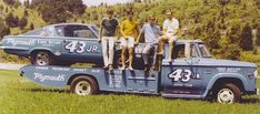 Richard Petty Drag Racing when Ford and GM threatened to boycott in 1965 if Nascar didn't ban the 426 Hemi. Nascar Autos, Nascar Race Cars, Old Race Cars, Slot Cars, Vintage Race Car, Vintage Trucks, Old Trucks, Dodge Trucks, Chevrolet Trucks