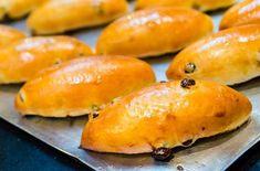 Σταφιδοψωμάκια. Αφράτα ψωμάκια με σταφίδες εύκολα κι απλά!