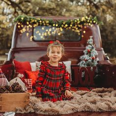 Family Christmas Pictures, Family Christmas Cards, Christmas Truck, Christmas Minis, Christmas Photos, Outdoor Christmas, Holiday Pictures, Christmas 2019, Christmas Photo Booth