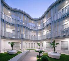 Edifício para 21 Habitações / Roman y Canivell
