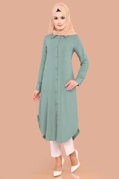 Buttoned Hijab Tunic Mint – Best Of Likes Share Hijab Dress, Hijab Outfit, I Dress, Muslim Fashion, Hijab Fashion, Fashion Outfits, Kurta Designs, Blouse Designs, Islamic Clothing