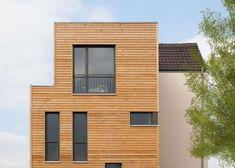Johannes Berger, materio GmbH, baut ökologische Holzhäuser Garage Doors, Shed, Outdoor Structures, Outdoor Decor, Johannes, Home Decor, Blog, Environment, Architecture