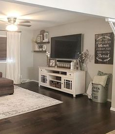 If you are looking for Farmhouse Living Room Tv Stand Design Ideas, You come to the right place. Here are the Farmhouse Living Room Tv Stand . New Living Room, My New Room, Home And Living, Living Spaces, Living Room Decor Around Tv, Living Room Decor Simple, Living Room Corner Decor, Picture Wall Living Room, Country Style Living Room