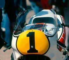 Kenny Roberts's Yamaha YZR 500 OW54 (1981) American Motorcycles, Racing Motorcycles, Motogp Race, Road Racing, Cool Bikes, Italian Grand Prix, Yamaha, Vintage Cars, Motorbikes