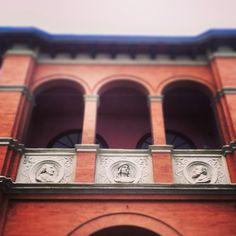 Palazzo delle Logge sede del primo istituto ospedaliero unificato della città #Italy
