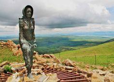 Statue of the Barefoot Lady, trekker women Johanna Smit - Retief's Pass, Kwazulu Natal, Handmade Books, My Land, Live, Diversity, Statues, South Africa, Roots, Tourism