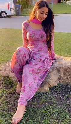 Beautiful Girl Photo, Beautiful Girl Indian, Most Beautiful Indian Actress, Gorgeous Women, Hey Gorgeous, Dehati Girl Photo, Punjabi Girls, Indian Girls Images, Curvy Girl Outfits