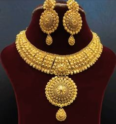 Indian Gold Jewellery Design, Indian Jewelry, Necklace Set, Gold Necklace, Coral Bracelet, Gold Rings Jewelry, Gold Ornaments, Punjabi Suits, Chrochet