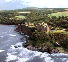 Culzean Castle - Situated on the South Ayrshire coast, Culzean Castle is located 12 miles south of Ayr and 4 miles west of Maybole, about 50 miles south of Glasgow.