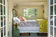 Lake Cottage, So cozy and really tiny Bedroom