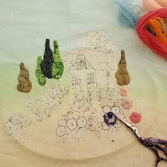 #embroidery #wool#vintage #antique#quilt#brooch#handmade#needleworks#handcraft#ribbon#리본자수#프랑스자수#평택자수 #자수타그램 #엔틱자수 #게으른울실#자수수업  뜯는다..✂