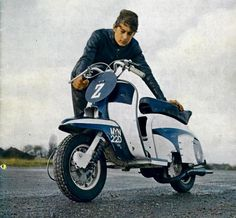 Retro Scooter, Scooter Bike, Lambretta Scooter, Vespa Scooters, Moto Bike, Vespa Special, Bike Wear, Motor Scooters, Electric Scooter