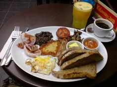 Full Scottish Breakfast with a Wee Bit of Haggis photo by Ian McDonald Healthy Diet Tips, Healthy Foods To Eat, Healthy Eating, Healthy Recipes, Healthy Fats, Paleo Diet, Keto, Perfect Breakfast, Eat Breakfast