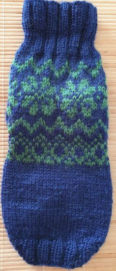 Hand-knitted sweater for dog size S with Norwegian traditional pattern in blue Knit Dog Sweater, Knitted Coat, Dog Sweaters, Cute Sweaters, Winter Sweaters, Small Dog Coats, Puppy Coats, Dog Jumpers, Fleece Vest