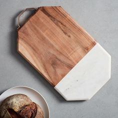 WEST ELM ~ ACACIA WOOD SLAB ~ CUTTING BOARD CHESSE SERVING PLATE ~POTTERY BARN