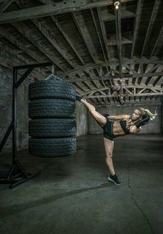 Combat Cardio Kickboxing at Xtreme Training Academy - All of MMA Female Martial Artists, Martial Arts Women, Mixed Martial Arts, Fitness Photography, Outdoor Photography, Sport Studio, Ju Jitsu, Fitness Photoshoot, Gym Design