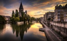 Download wallpapers Metz, Moselle River, Le Temple Neuf, church, evening, old buildings, France