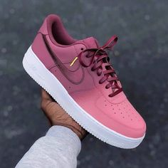 shoes – editor The post shoes – editor appeared first on Nike Airmax Shoes Tren Cute Nike Shoes, Cute Sneakers, Sneakers Nike, Women's Sneakers, Sneaker Outfits, Sneaker Boots, Jordan Shoes Girls, Girls Shoes, Souliers Nike