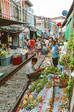 Discovering Bangkok in 4 days – First time guide to the Thai capital - Asia Bangkok Travel, Thailand Travel, Asia Travel, Bangkok Market, Bangkok Trip, Bangkok Shopping, Thailand Vacation, Croatia Travel, Hawaii Travel