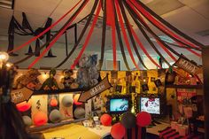Halloween has been a popular festival celebrated in some countries for centuries. In the old time, the decoration of Halloween represented something that… Halloween Cubicle, Halloween Circus, Outdoor Halloween, Scary Halloween, Halloween Ideas, Halloween 2019, Office Halloween Themes, Paper Halloween, Cheap Halloween