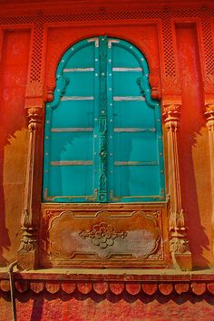 thats the way i like it! by inge bright, colors i can't get enough off it..Bikaner has thousands of doors like this, what a great place to shoot photos…india, Rajahstan