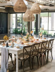 With so many micro weddings happening because of covid, it's important to learn how to style them with decor and a good tablescape! Wedding Chairs, Wedding Reception, Reception Ideas, Elegant Bride, Green Wedding Shoes, Flower Centerpieces, Tablescapes, Pastel, Table Decorations