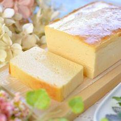 """tomo on Instagram: """"2018/09/10 #アトリエタタンのチーズケーキ 🧀 ・ 猛暑も落ち着いてきたのでさっぱり冷たいスイーツだけじゃなく、濃厚なチーズケーキやクリーム系も欲するように( ´͈ ᵕ `͈ ) ・ そして突如到来した#チーズケーキ ブーム(笑) ・…"""" Dessert Cake Recipes, Cute Desserts, Sweets Recipes, Cheesecake Recipes, Easy Sweets, Homemade Sweets, Japanese Pastries, Happy Foods, Love Eat"""