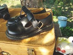 Vintage 90s Doc Martens Mary Janes Black leather flats - I have these in green!