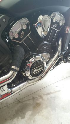 Im Leg layed on it. Better now. Indian Scout, Motorcycle Exhaust, Art Pieces, Artworks