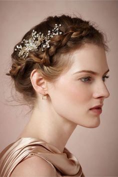 Halo braid paired with an elegant BHLDN hairpin