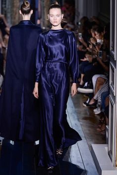 #NMFallTrends: Navy: The New Neutral   Valentino Fall 2012
