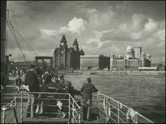 Liverpool Picturebook a site featuring a collection of old photographs and pictures of Liverpool, and Liverpool History, updated regularly. The history of Liverpool in Pictures Liverpool Waterfront, Liverpool Town, Liverpool Docks, Liverpool History, Liverpool England, Old Pictures, Old Photos, Beatles, Scotland History