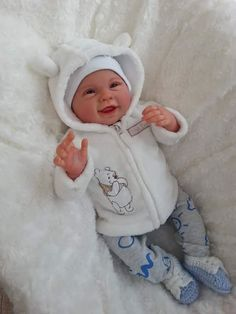 reborn%20doll Reborn Baby Boy Dolls, Real Baby Dolls, Realistic Baby Dolls, Newborn Baby Dolls, Reborn Babies, Baby Doll Nursery, Reborn Nursery, Cute Baby Bunnies, Cute Babies