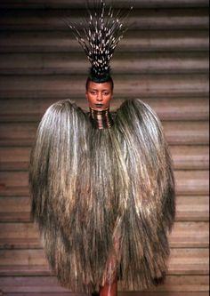 1996-2001 Givenchy by Alexander McQueen: Ready-to-Wear & Haute Couture - Page 3 - the Fashion Spot