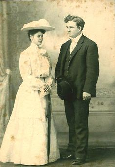 My paternal Great Grandparents, Kathryn Ozy Ford and Frank O'Dell Mackey on their wedding day.