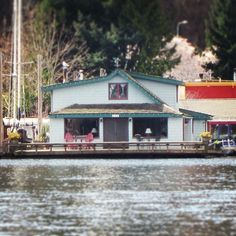 The Sleepless in Seattle houseboat, seen from a Duck!