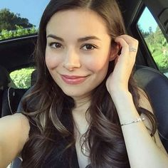 I love you Miranda!☺ @mirandacosgrove  #cool #carly #beauty #proudcosgroverforever #nick #teennick #nickelodeon #smile #nice #lovecutemiranda #perfection #mirandacosgrove #perfect #best #sunshine #butterfly #bam #queen #of #my #heart #sweet #cute #cutenessoverload #princess #icarly