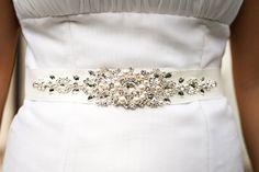 Brautgürtel MADE WITH SWAROVSKI ELEMENTS von White Jasmine auf DaWanda.com