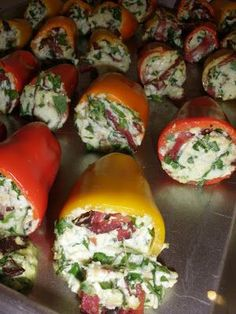 Peppers stuffed with ricotta, turkey bacon and spinach. (21 day fix recipe…
