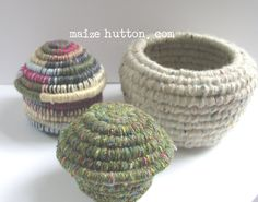 I finally finished the tutorial for making coil baskets. I& still not sure I& been able to convey the way these are made. I& ho. Fabric Bowls, Fabric Yarn, Fabric Crafts, Rope Crafts, Diy Arts And Crafts, Diy Crafts, Rope Basket, Basket Weaving, Woven Baskets