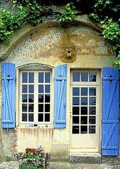 troglodyte house in Trôo