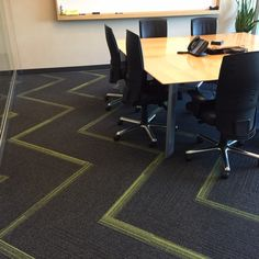 Herribbone carpet tile pattern using Interface - On Line and Off Line