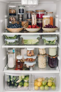 I don't know where to look first with this healthy and deliciously organized fridge shared by They say you eat what you see. Prioritizing healthy foods at an easy to see and in an easy to eat way will… Continue Reading → Refrigerator Organization, Kitchen Organization Pantry, Home Organisation, Organized Fridge, Organization Ideas, Bathroom Closet Organization, Fridge Storage, Healthy Fridge, Eat Healthy