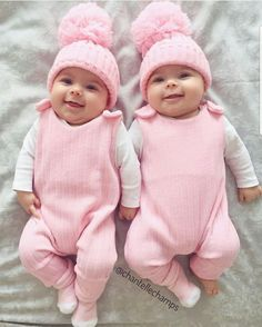 Excellent baby arrival info are offered on our website. Read more and you wont be sorry you did. Twin Baby Girls, Twin Babies, Cute Baby Pictures, Baby Photos, Cute Twins, Cute Babies, Baby Kind, Baby Love, Baby Arrival