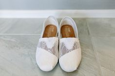 Bridal shoe idea - comfortable, chic pair of white lace TOMS {Suzy Goodrick Photography}