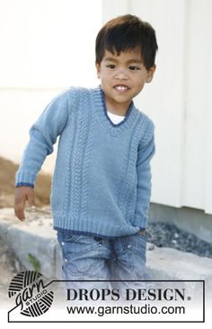 "Knitted DROPS jumper with v-neck and cables in ""Fabel"". Size 3 - 12 years. ~ DROPS Design"