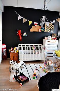 diy,eames rar,keinutuoli,virkattu matto,viirinauha,sisustusvinkki,lastenhuone,Tee itse - DIY,pinnasänky,lelut,lastenhuoneen sisustus