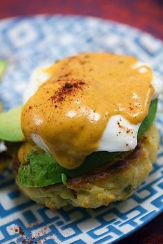 Eggs Benedict with Chipotle Hollandaise Mexican Eggs Benedict -- With homemade chorizo biscuits, avocado, and chipotle hollandaise sauce, this Mexican Eggs Benedict will quickly become your new favorite brunch recipe! Egg Recipes, Brunch Recipes, Mexican Food Recipes, Cooking Recipes, Pancake Recipes, Crepe Recipes, Waffle Recipes, Breakfast Time, Breakfast Dishes